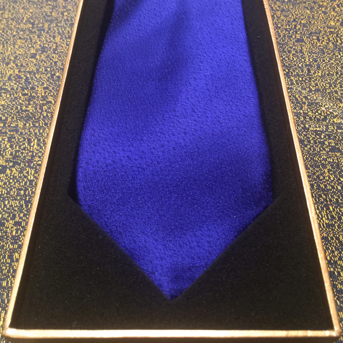 gift,tie,blue,navy,silk,gift box,luxury